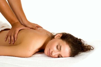 masaż z olejkiem